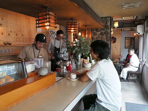 L PACK.が手掛ける、旧・潮寿司を改装したカフェスペース『UCO』(2016年) / 『アッセンブリッジ・ナゴヤ2016』