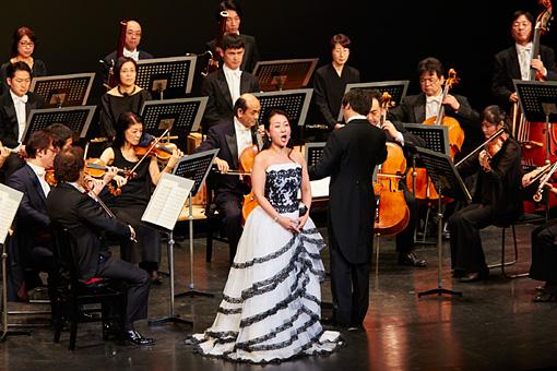復興コンサート再演風景 会場内に幸田浩子のソプラノが響き渡った