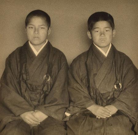 『二人の小坊主』1930(昭和5)年 島根県立美術館蔵