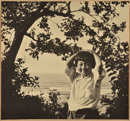 『新緑少女』1935(昭和10)年 島根県立美術館蔵