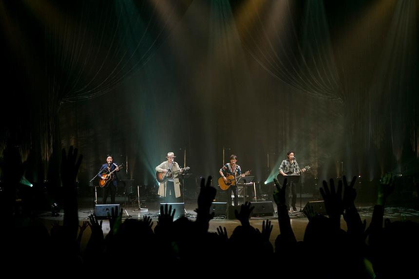 トータス、和義、浜崎がスガ シカオの曲をカバーし20周年を祝う
