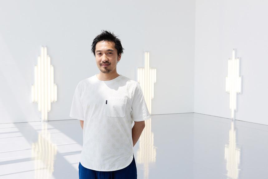 田根剛が見た、現代美術界のスター ダン・フレイヴィンの光の魔力