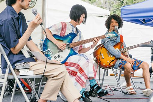 左から金子厚武(司会)、Rei、モリシー(Awesome City Club)
