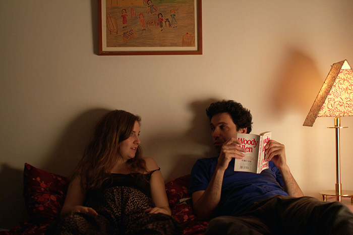 『GIRLS』にレイ役で出演しているアレックス・カルポブスキー(右) 『タイニー・ファニチャー』より
