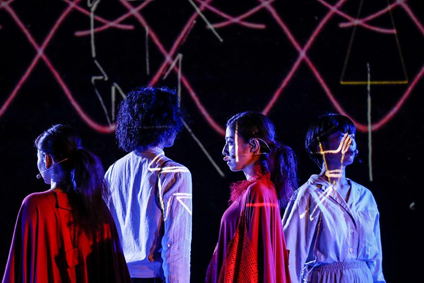 宮沢賢治作品モチーフ『四次元の賢治』、一体どんな舞台だった?