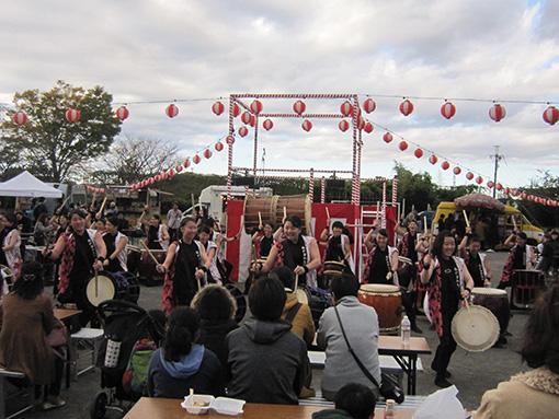 松が谷高校和太鼓部による演奏