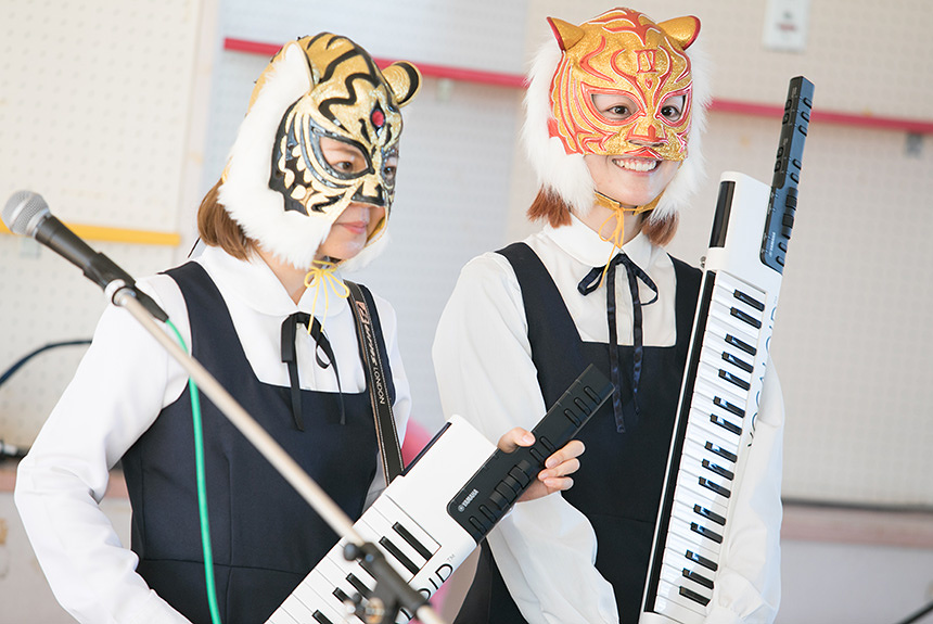 VOCALOID Keyboardの実力は?新津由衣とAZUMA HITOMIが実験