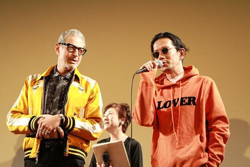 左から:声優を務めたジェフ・ゴールドブラム、野村訓市