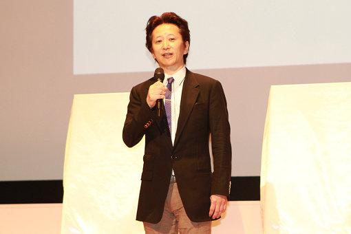 『荒木飛呂彦原画展 JOJO 冒険の波紋』記者発表会に登壇した荒木飛呂彦