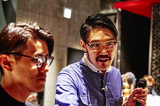 左から:岡村建弥(POLA)、本イベントを手がけるスマイルズPAVILIONの齋藤クリフ悠