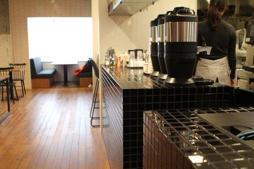 喫茶室のキッチン