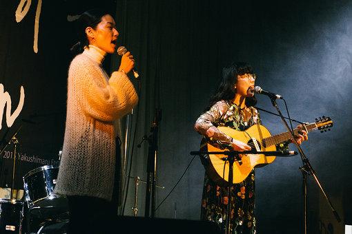 柴田聡子 / 韓国のシンガーソングライター、イ・ランが飛び入りし、国境を跨いだ貴重なコラボパフォーマンスが実現した