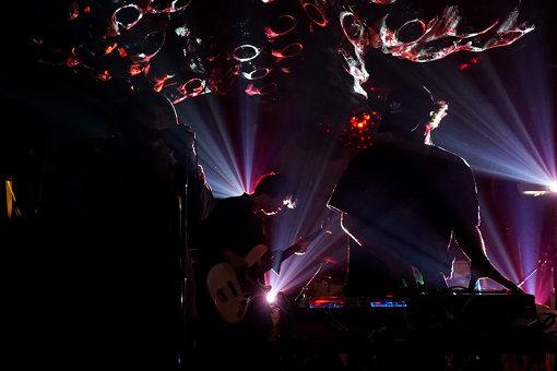 空間現代 feat. THE LEFTY(OCTAVEでのパフォーマンスの様子) / photo by Eizaburo Sogo