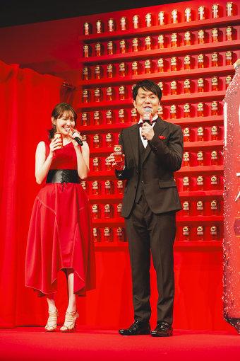 左から:小嶋陽菜、土田晃之