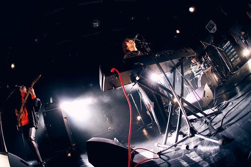 Omoinotakeの3人だけのステージ / 撮影:後藤壮太郎