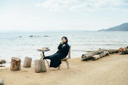 海辺の特等席でいただきます