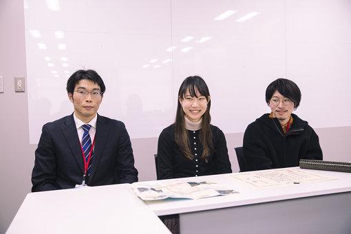 左から、竹内泰裕(首都大学東京大学院)、石上真菜(武蔵野美術大学)、船越源(武蔵野美術大学)