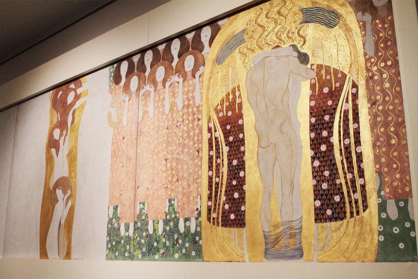 クリムト展が上野・東京都美術館で開幕。日本初公開作や壁画の再現展示も