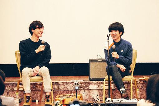 左から:三船雅也(ROTH BART BARON)、岡田拓郎