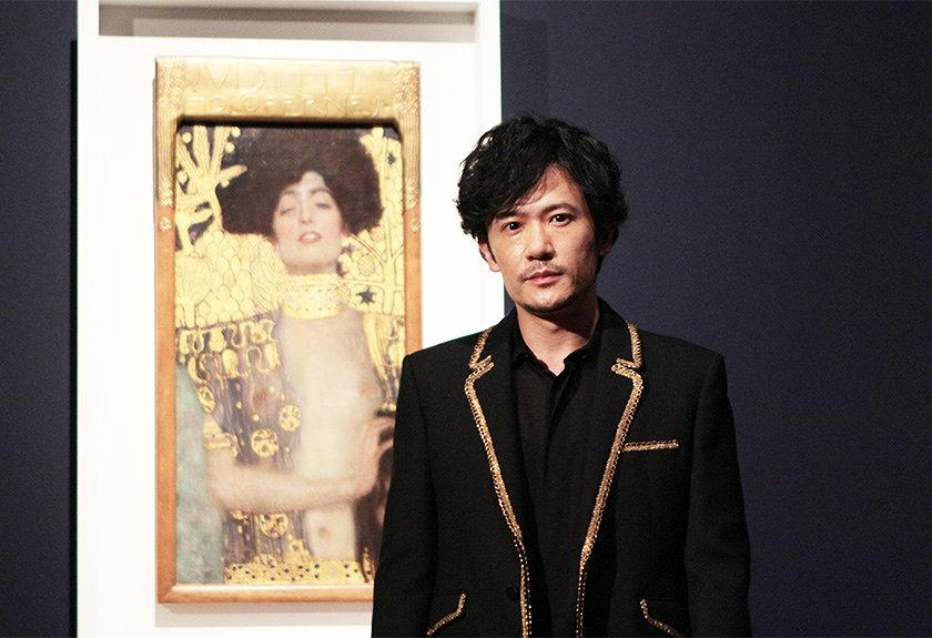 クリムト展を稲垣吾郎が初訪問。東京都美術館で音声ガイド生披露、魅力語る