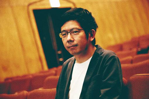 武田砂鉄(たけだ さてつ)<br>1982年東京都生まれ。出版社勤務を経て、2014年よりライターに。著書に『紋切型社会――言葉で固まる現代を解きほぐす』(朝日出版社、第25回Bunkamuraドゥマゴ文学賞受賞)、『芸能人寛容論――テレビの中のわだかまり』(青弓社)、『コンプレックス文化論』(文藝春秋)、『日本の気配』(晶文社)などがある。