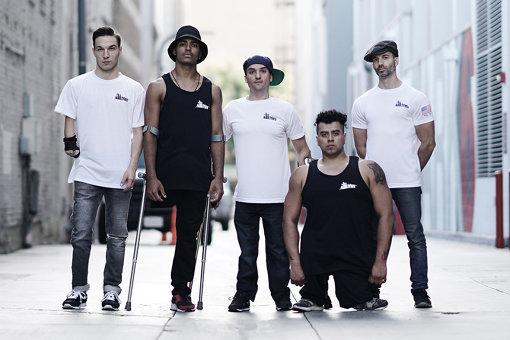 ILL-Abilities(いる・あびりてぃーず)<br>左から:レドゥアン・アイト・チット(リドゥー)、サミュエル・リマ(サムカ)、ルカ・パトエリ(レイジーレッグス)、セルジオ・カルヴァハル(チェチョ)、ジェイコブ・ライオンズ(クジョー)