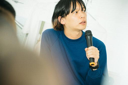 夏目知幸(なつめ ともゆき)<br>東京を中心に活動するオルタナティブギターポップバンドシャムキャッツのボーカル、ギター、作詞作曲。2016年、自主レーベルTETRA RECORDSを設立し、リリースやマネジメントも自身で行なっている。近年はタイ、中国、台湾などアジア圏でのライブも積極的。個人では弾き語り、楽曲提供、DJ、執筆など。