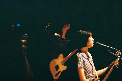 カネコアヤノ<br>弾き語りとバンド形態でライブ活動を行っている。2019年には最新アルバム『燦々』と弾き語りによる再録アルバム『燦々 ひとりでに』を発表。『燦々』は『第12回CDショップ大賞2020入賞作品』に選出。2020年4月には大阪市中央公会堂、中野サンプラザでのワンマンライブを控えている。