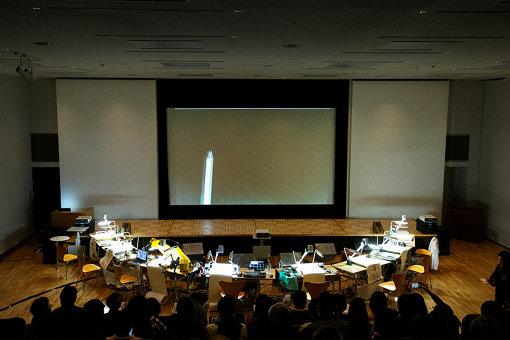 『ドローイング・オーケストラ』開演前の会場風景