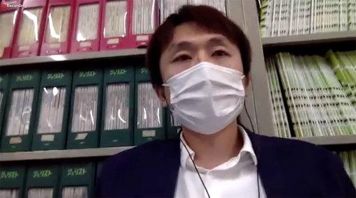 映画監督の西原孝至