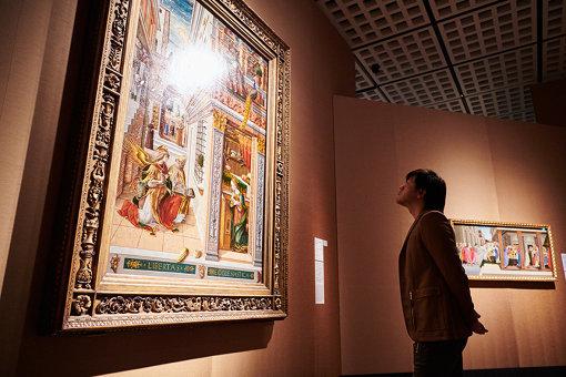 カルロ・クリヴェッリ『聖エミディウスを伴う受胎告知』を鑑賞中