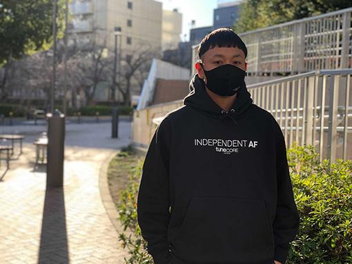 本田次郎(ほんだ じろう)<br>1977年生まれ。音楽デジタルディストリビューションサービス「TuneCore Japan」ディレクター兼TuneCore Japan運営のウェブメディア「THE MAGAZINE」編集長。自身での音楽活動、音楽メディア編集者、スタートアップ立ち上げなどのキャリアを経て、現在はTuneCore JapanおよびTHE MAGAZINEにてストリーミング時代にインディペンデントアーティストがサステナブルかつチャレンジングな音楽活動ができるためのコンテンツ、プロジェクト、情報発信を手がける。