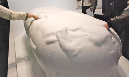 原研哉氏デザインのバスタブ『Foam spa』