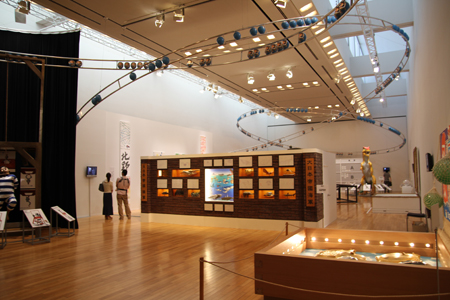 『BEAT TAKESHI KITANO 絵描き小僧展 Fondation Cartier pour l'art contemporain』