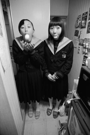 『女子中学生』より 2000-2001年 ©KAYO UME