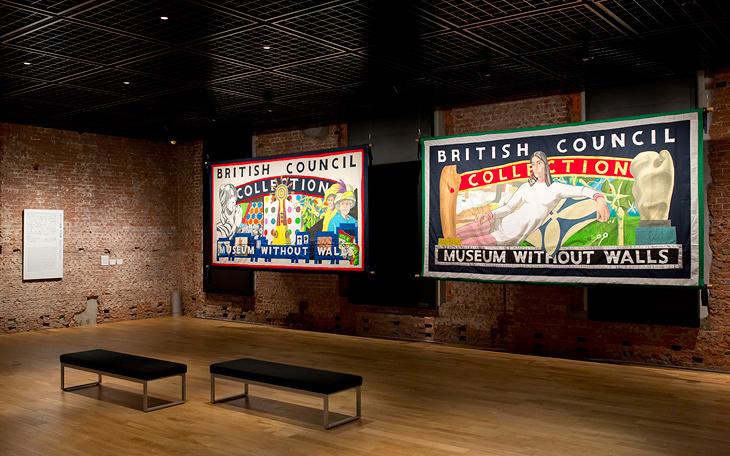 「壁のない美術館」から届いた、約120点の英国現代アート作品