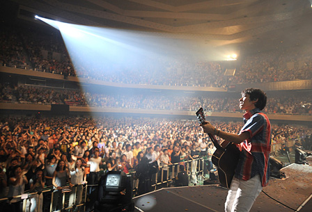 スピッツ 撮影:JUNJI NAITO