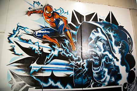 渋谷パルコ Part1のTOKYO FM横に現れたスパイダーマンのグラフィティアート