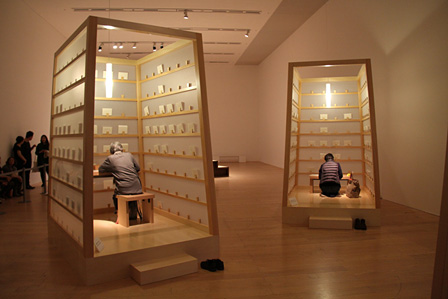 『リー・ミンウェイとその関係展』「プロジェクト・手紙をつづる」の様子