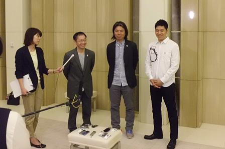 写真2人目左から:野田秀樹、日比野克彦、名和晃平