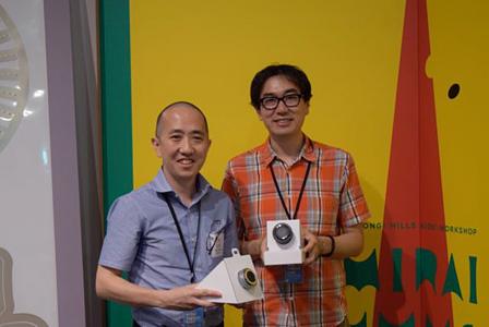 オリンパスモバイルシステム開発本部の石井謙介(左)、スズキユウリ(右)