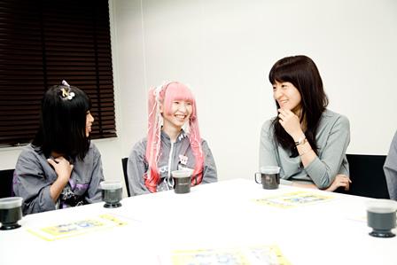 左から:けちょん、ようなぴ、朝倉加葉子 撮影:田中一人