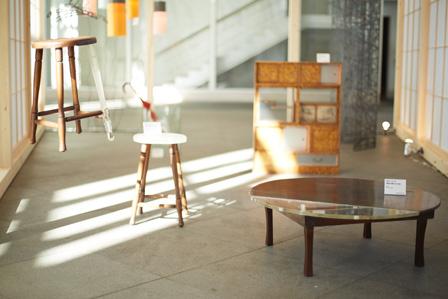 ROOVICEと横浜石英が手がけた木製家具 photo by rakuda